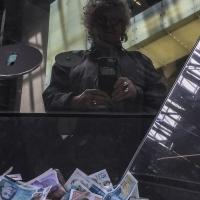 Steph_Sydney_self-portr-pile-of-Money-Tate